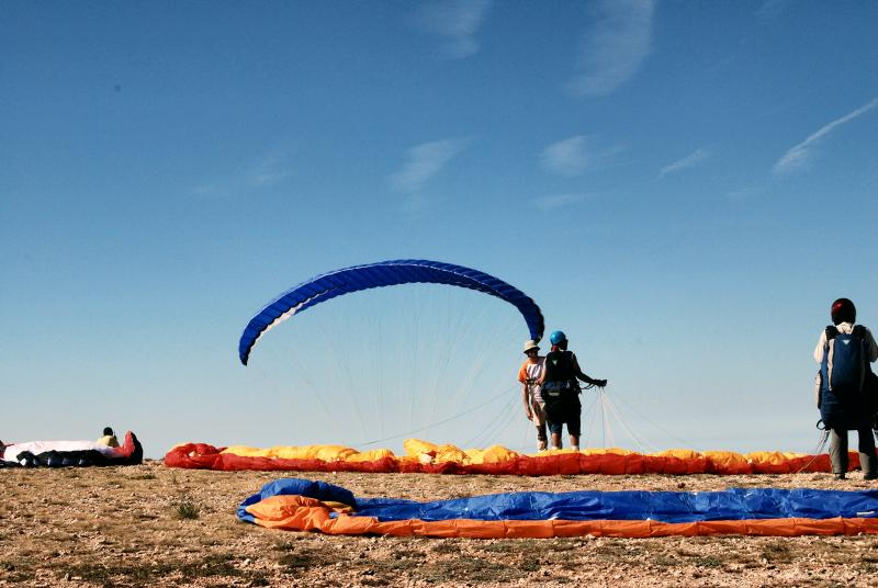 Paragliding available  nearby