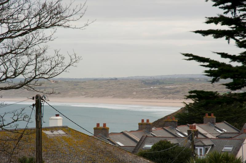 Located five minutes from the beautiful Carbis Bay beach