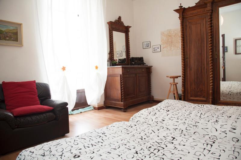room  Vecchia Milano --Old Milan