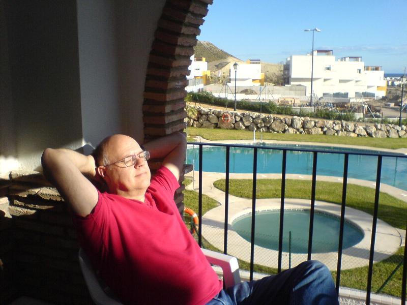 Relajarse en la terraza