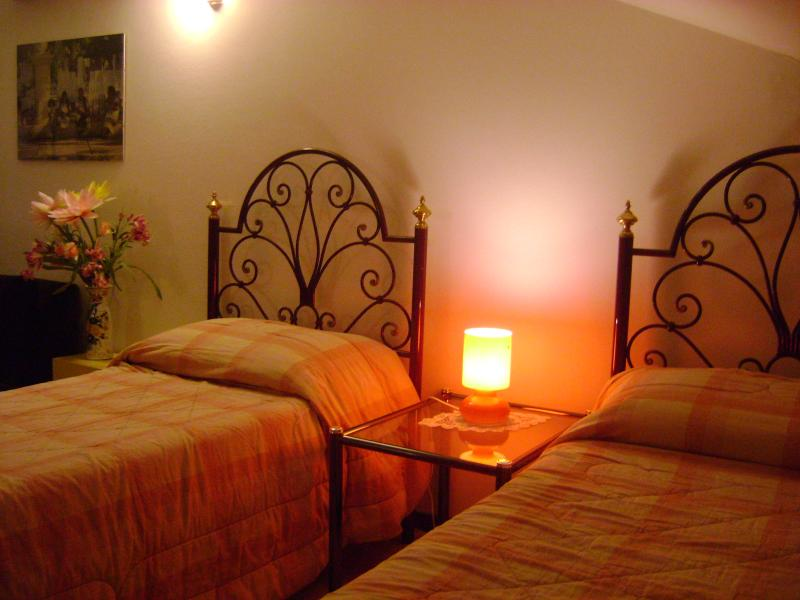 the twin beds upstairs with air conditioning