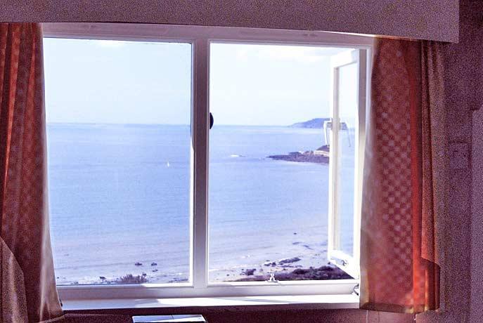 overlooks Mounts Bay