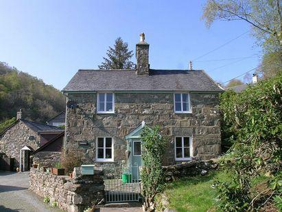 Hawddamor, Peaceful, Mountain Views, Walkable to Country Pub., casa vacanza a Ganllwyd