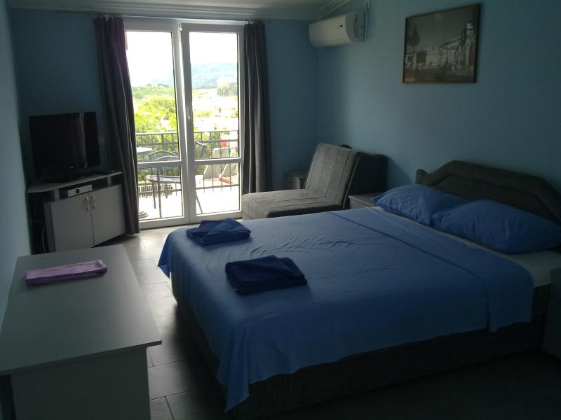 VillaElena offers bright&airy studio apartment, holiday rental in Zagrade