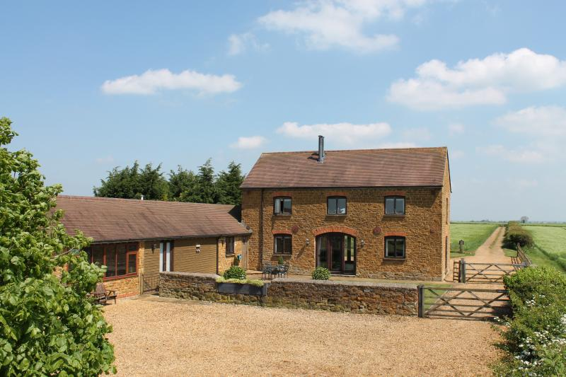 Situated on the edge of the Cotswolds, within 15 to 20 miles from Warwick and Stratford upon Avon