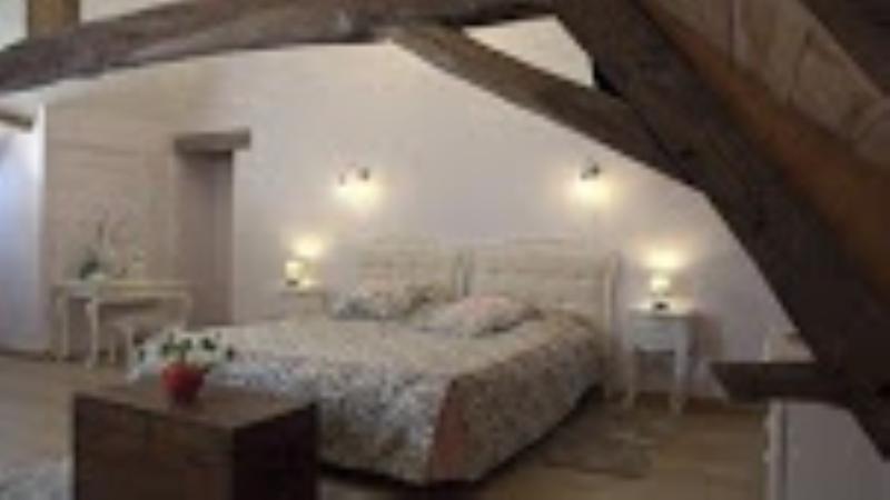 Chambre Couchois, location de vacances à Couches