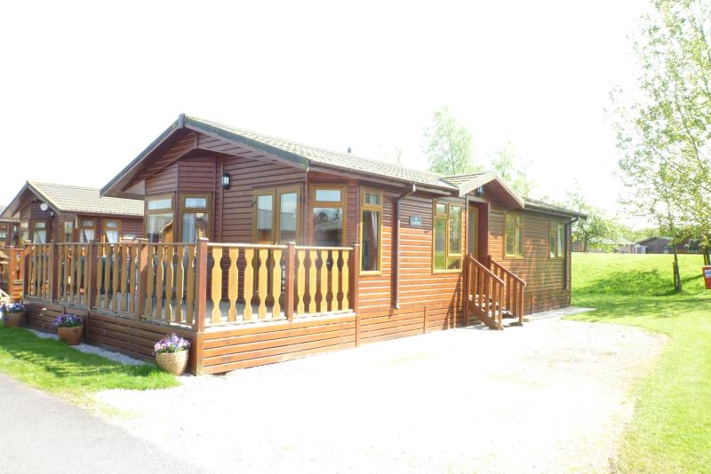 Tarn lodge good lake views