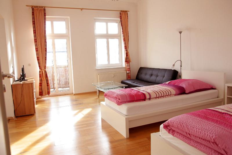 2-Rooms Apartment A4, vacation rental in Berlin