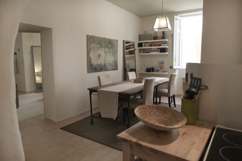 Centre Ville Charm, vacation rental in L'Isle-sur-la-Sorgue