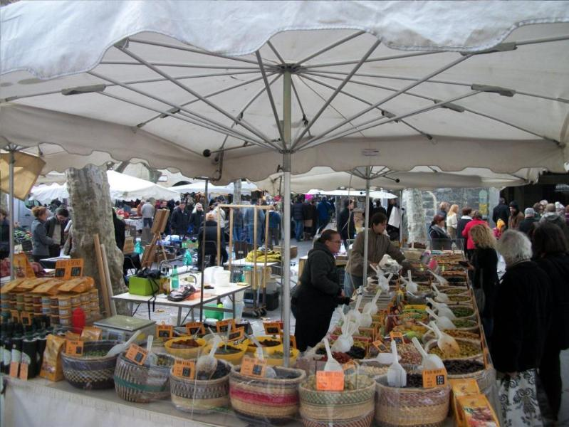 Market of Uzes (25 km)