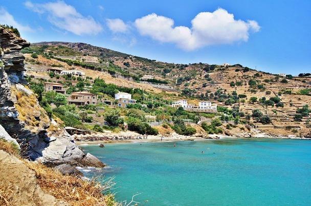 PISO GYALIA BEACH (5 minute walk)