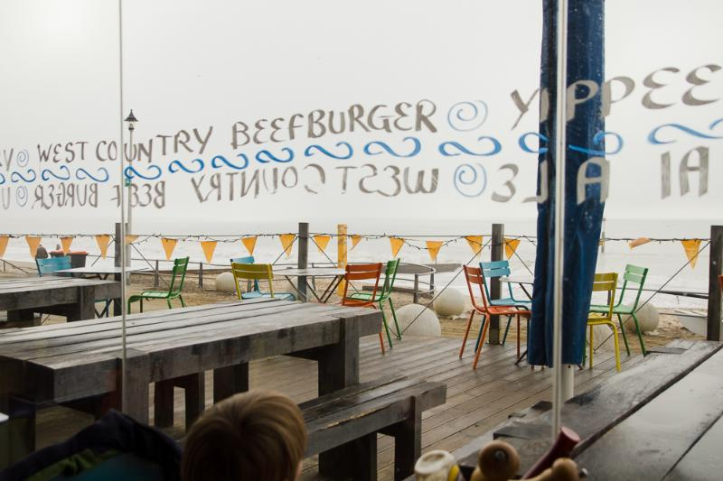 Great local cafe on the beach, with indoor & outdoor seating (also blankets too for early mornin