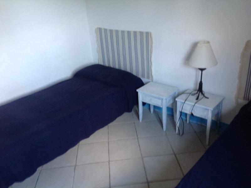 seconda camera da letto con 2 letti + 1 aggiunto