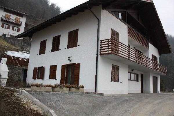 villetta sulle dolomiti di brenta, location de vacances à Cogolo di Pejo