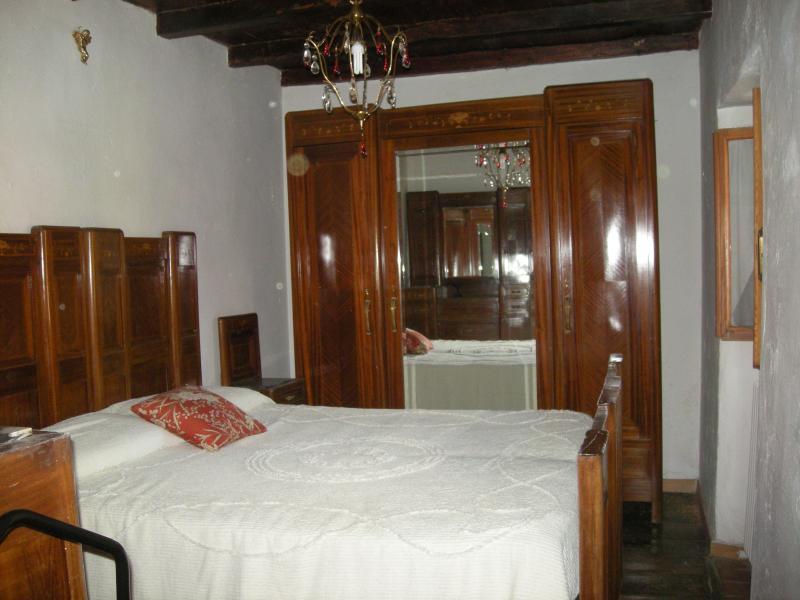 piano superiore, camera da letto