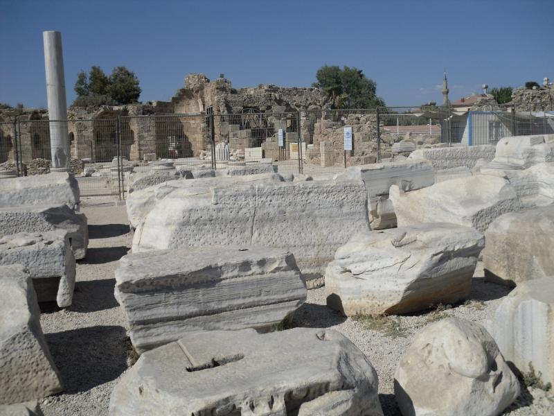 More famous ruins in Side