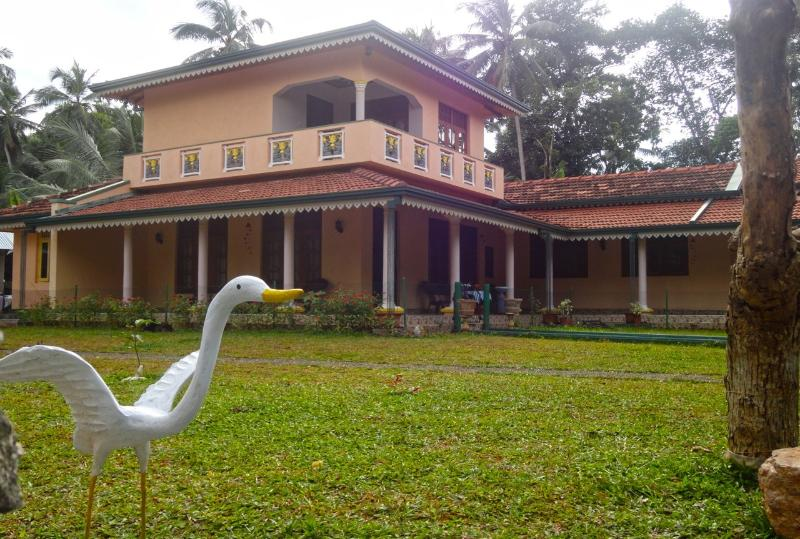 thevillaamaya, vacation rental in Waikkal