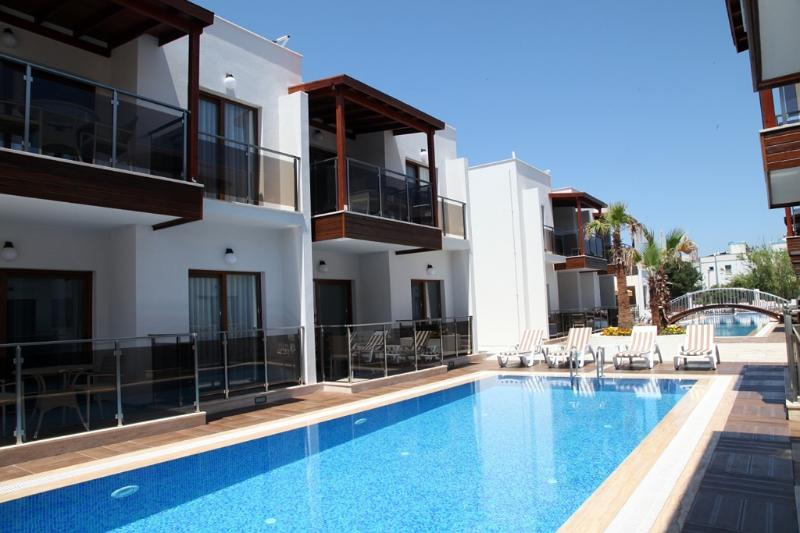 Siesta  Garden Holiday Apartment.01, holiday rental in Turgutreis