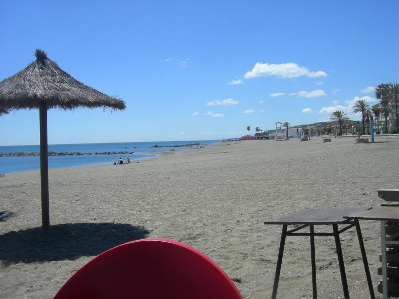 La Duquesa beach (5 mins by car)