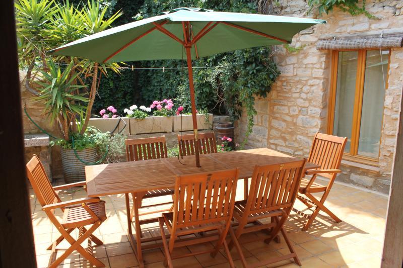 Terrace, les Volets verts, Cesseras