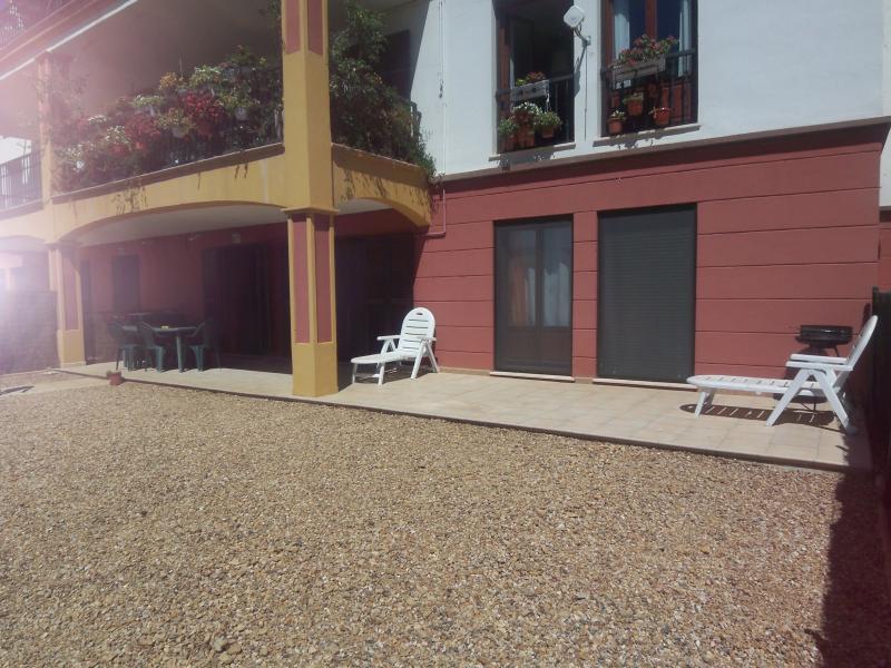 Terraza y jardín privado.