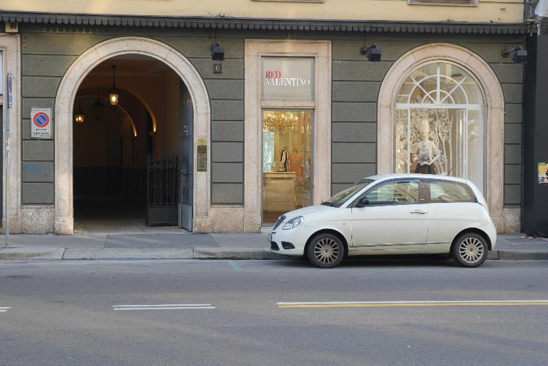 entrata da corso venezia