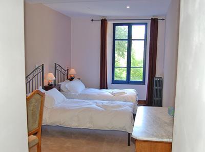 4 chambres de luxe peuvent être constituées comme superking taille double ou