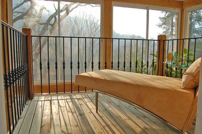 Le balcon dans le jardin d'hiver double hauteur - meilleur siège dans la maison !