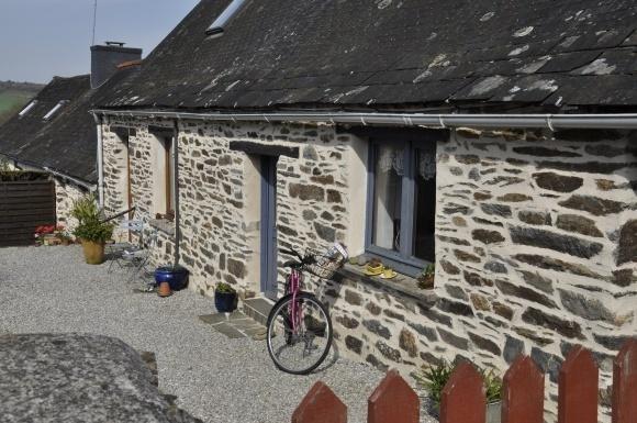 les petites maisons de Claire, holiday rental in St Nicolas du Pelem