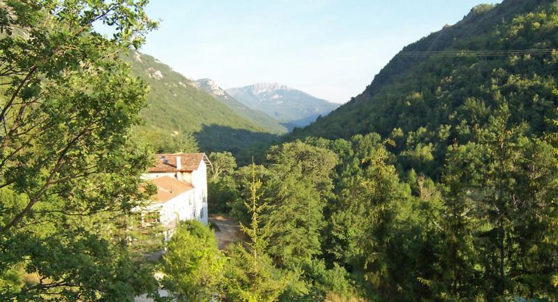 Difficile de croire que quelque part si paisible est si proche de la Côte d'Azur
