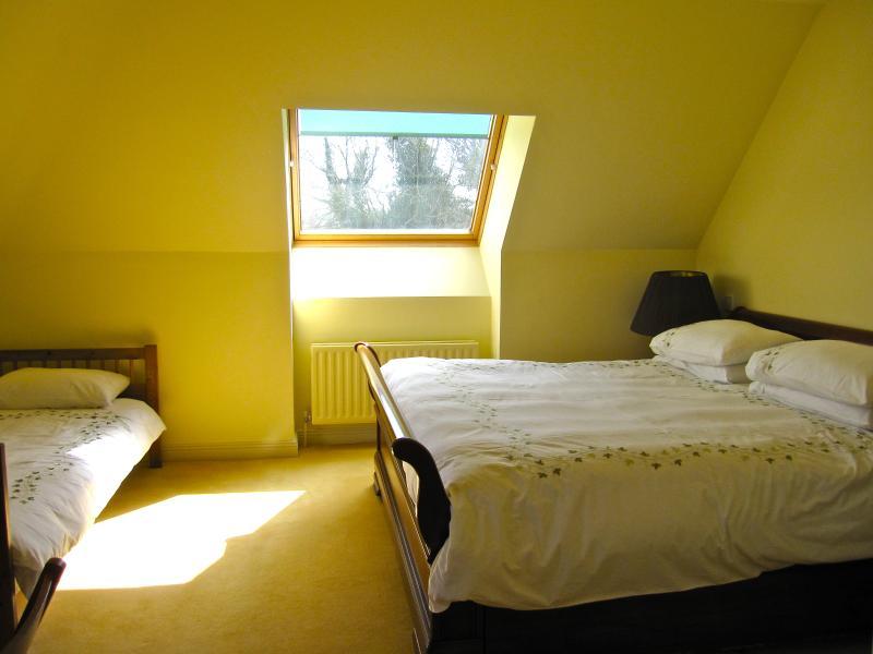 Double bedroom 1 - view 1