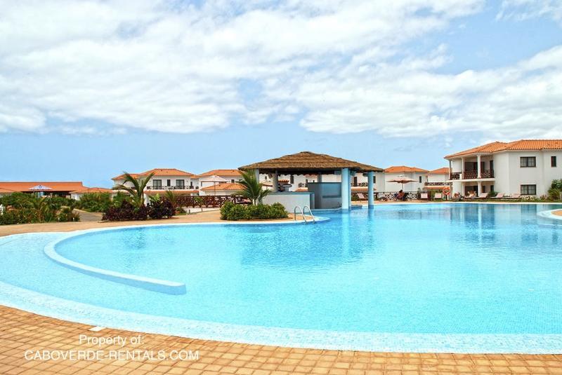 Resort shared pool 02