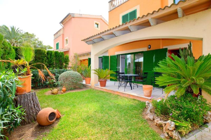 VILLA SUNWING AT 50M. BEACH, holiday rental in Alcudia
