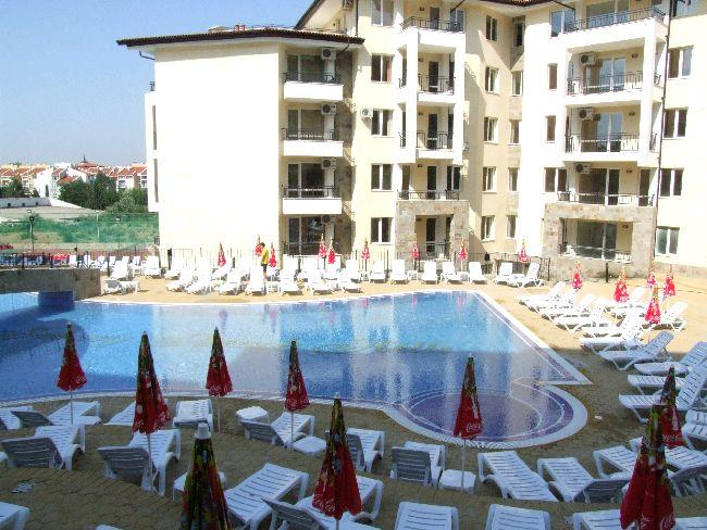Sunny Beach Hills Save The Main Pool With Sunloungers And Parasols Convenient To Apartments