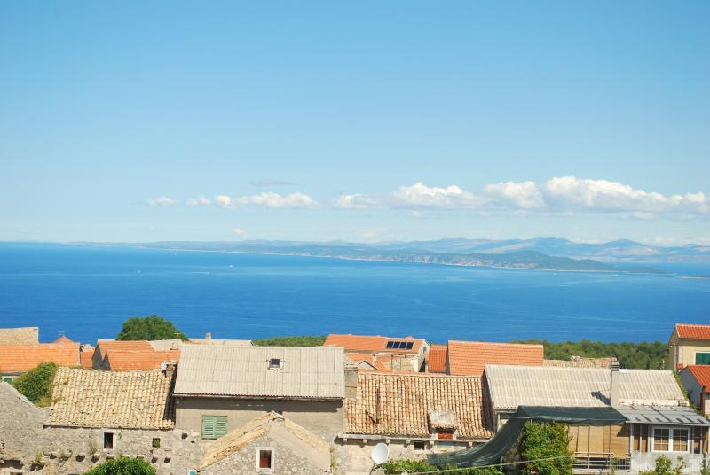 sensational panoramic sea views from the house to the islands of brac and solta