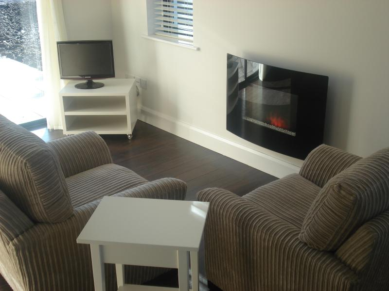 the corrauntoohail  Suite -the buglers cottage, holiday rental in Killarney