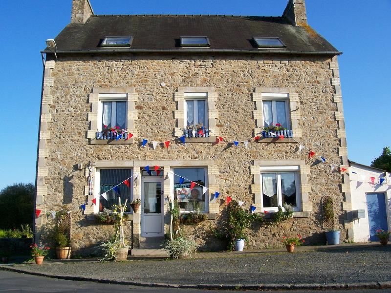 Former railway hotel, Le Chat Bleu is situated off the main route yet close to village shops but
