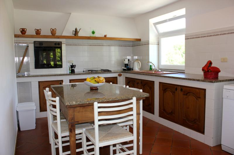 Fully Equipped Kitchen, Oven, Hob, Dishwasher, Microwave, Expresso Machine.