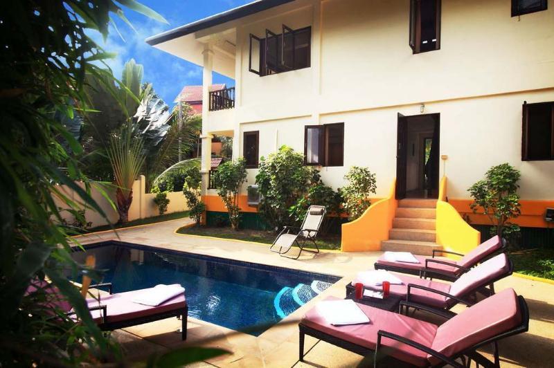Bay View Villa, holiday rental in Ban Hin Kong