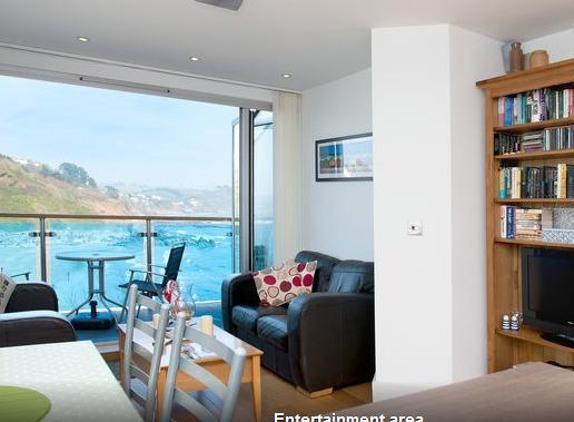 Lounge opening on its sea-facing terasse