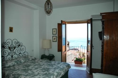 Double, holiday rental in Scilla