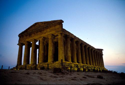TEMPLE OF THE VALLEY OF THE TEMPLES AGRIGENTO