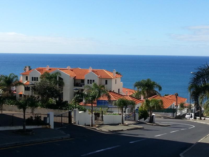 Vue de la résidence Ocean Cliff côté rue Estrada Monumental