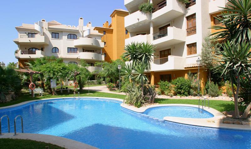 Punta Prima  Luxurious Apt (W1), holiday rental in Punta Prima