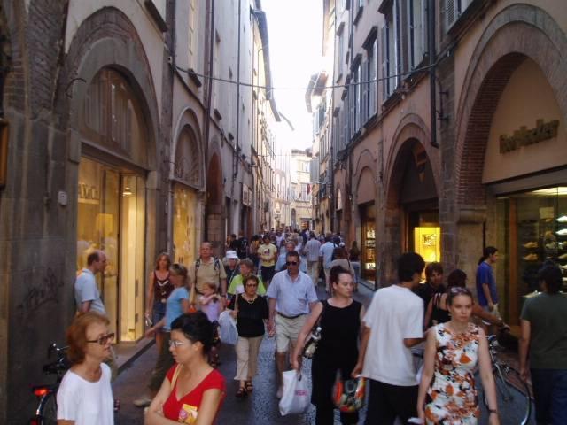 Enjoy shopping along Via Fillungo in Lucca