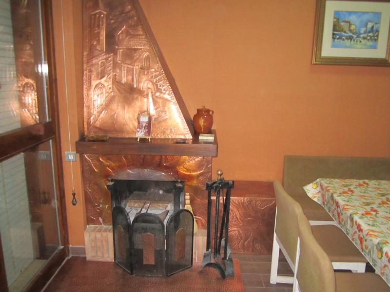 grazioso appartamento, vacation rental in Coppito