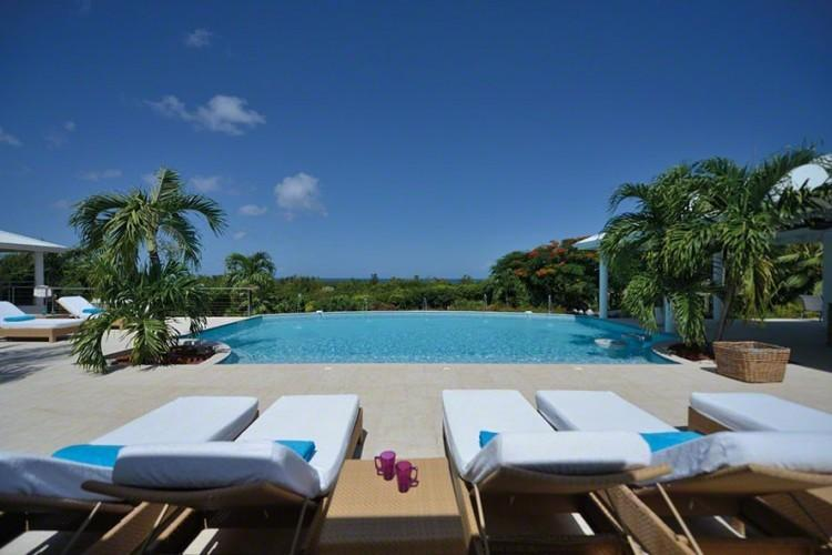 'PLEASE ENQUIRE ABOUT OUR SPECIALS' Encore - Stunning Villa Rental - 5 Bedrooms, holiday rental in Sint Maarten