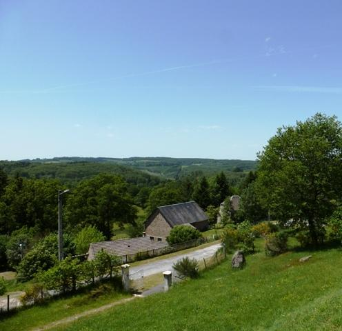 Tranquil countryside villa with stunning views, holiday rental in Condat-sur-Ganaveix