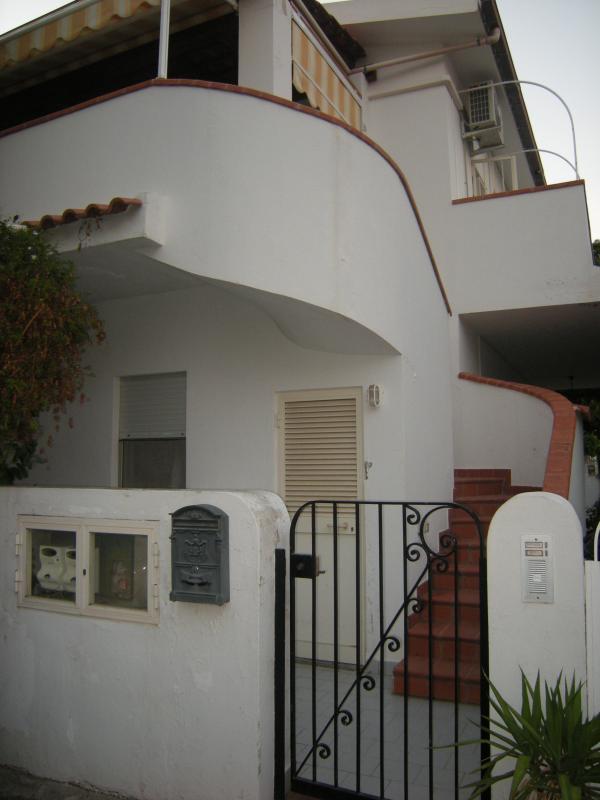 exterior/entrance/floor