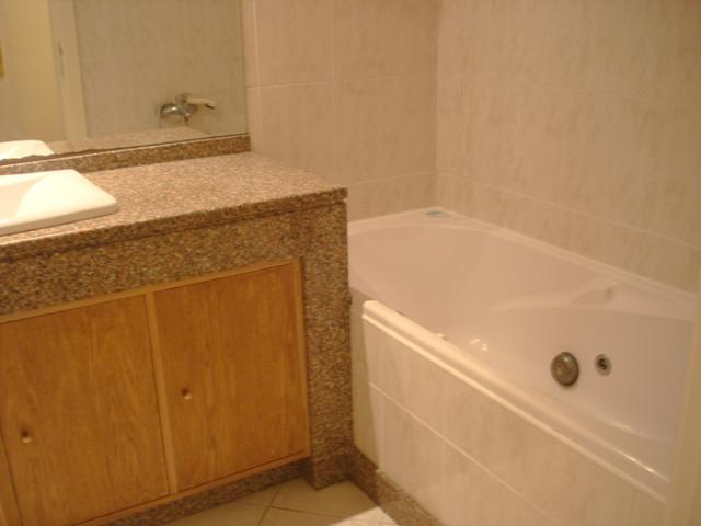 En-suite complete bathroom with jaccuzi also with shower